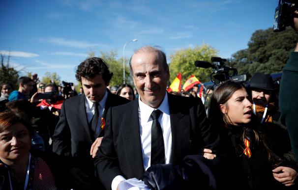 Francis Franco (c) y su hijo Álvaro Franco