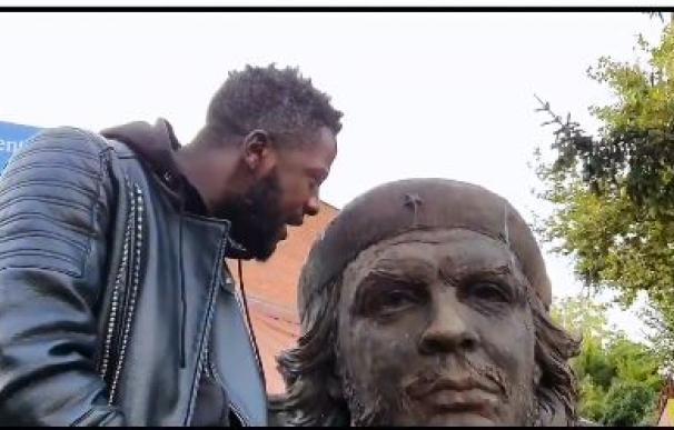 Negro de Vox al Ché Guevara