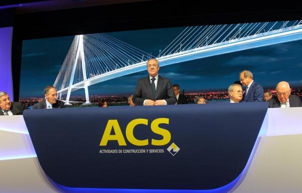 Florentino Pérez, presidente de ACS, durante la junta de accionistas celebrada este viernes.