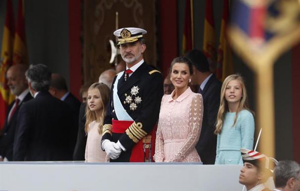 la Familia Real en el desfile del 12 de octubre