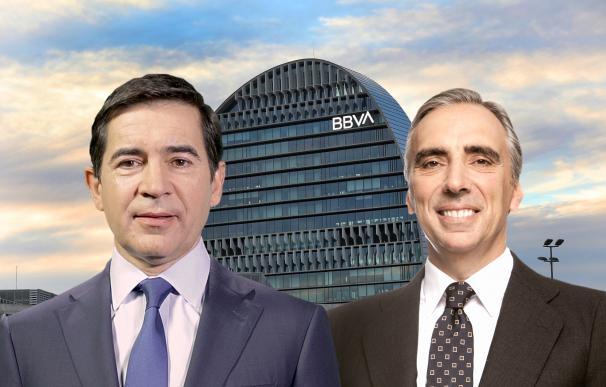 Carlos Torres junto a su mano derecha en el BBVA, Juan Asúa