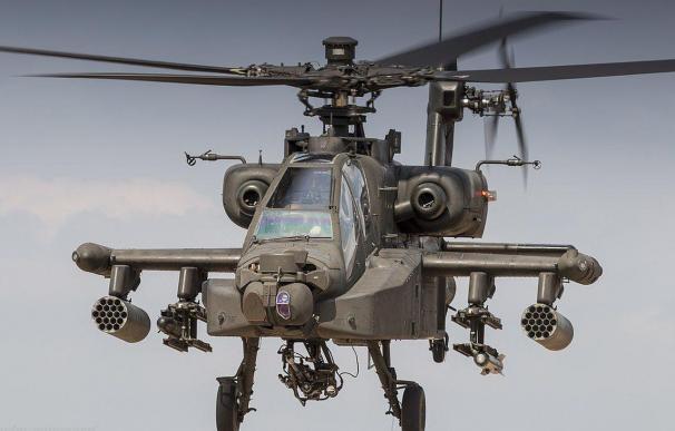 Un helicóptero Boeing AH-64 Apache. / EFE