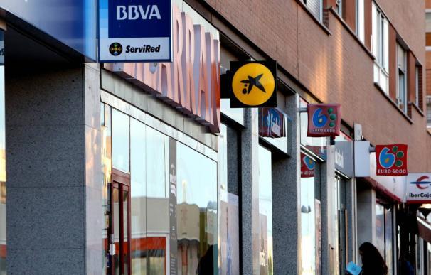 Europa ultima los colchones de la banca y calienta el mercado de 'deuda anticrisis'