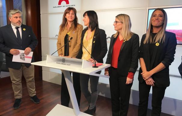 JxCat pide reconocer a Puigdemont como interlocutor y un relator internacional para avalar la investidura