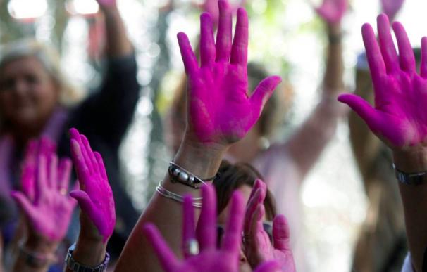 Fotografía protesta reivindicación cáncer de mama / EFE