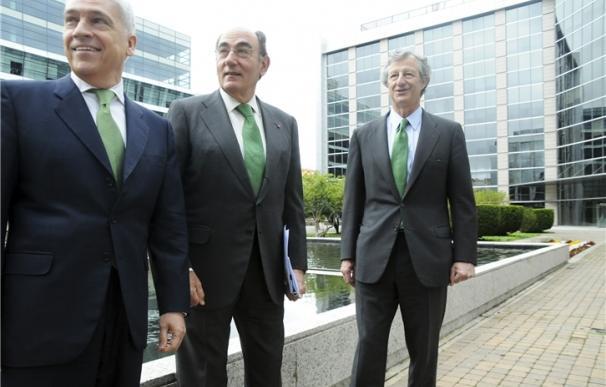 Francisco Martínez Córcoles (COO), Ignacio Galán (presidente) y José Sainz Armada (CFO).