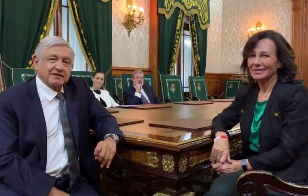 Ana Botín, Banco Santander, y Andrés Manuel López Obrador, presidente de México