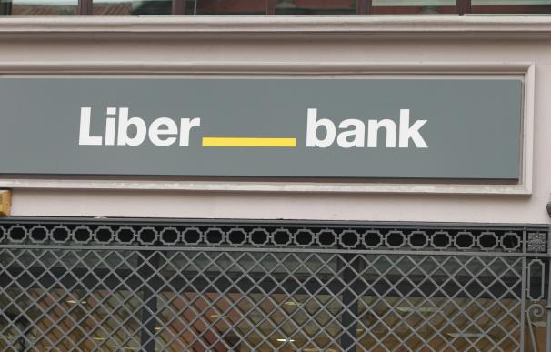 La primera fase del Plan Comercial de Liberbank transformará 41 oficinas urbanas en Santander