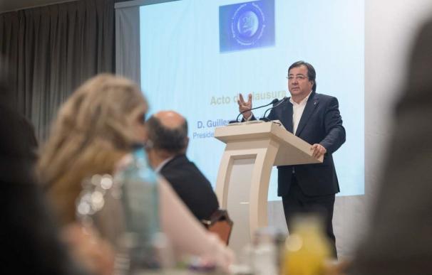 Guillermo FErnández Vara clausura una jornada sobre regadíos