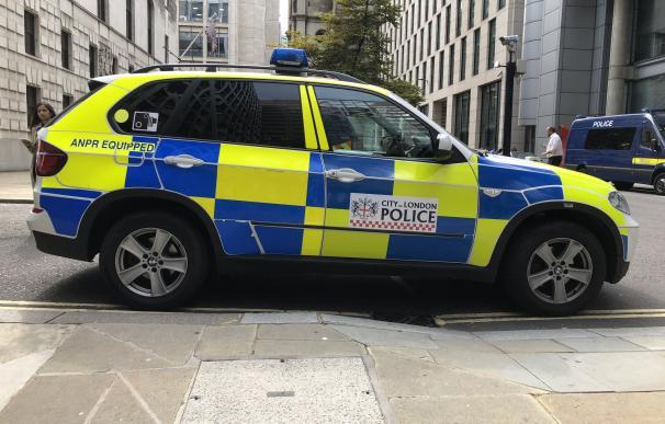 Fotografía de un coche de policía de Londres.