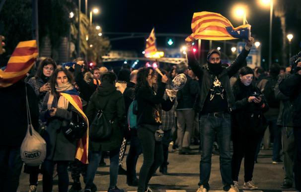 Los CDR convocan una cacerolada hoy domingo frente al Hotel Juan Carlos I para protestar por la visita del rey a Barcelona. /EFE/Marta Pérez