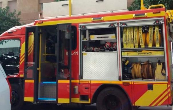 El incendio ha comenzado sobre las 12,40 horas. / Bomberos