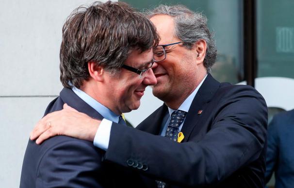 Torra y Puigdemont se ven en Waterloo con la investidura de Sánchez en el aire.