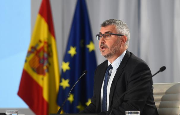 El Secretario de Estado de Comunicación Miguel Ángel Oliver, durante la rueda de prensa ofrecida esta mañana en el Centro Nacional de Datos en Madrid./EFE/Fernando Villar