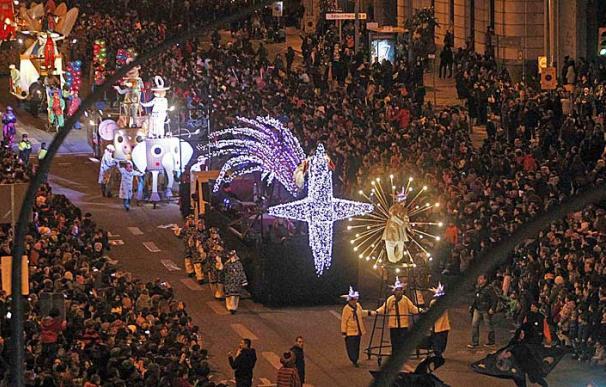 La cabalgata de los Reyes Magos en Barcelona, en una imagen de archivo./ EFE