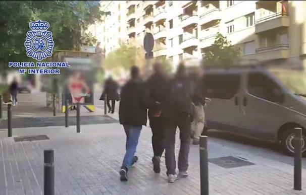 Detenido en Barcelona un fugitivo buscado por asesinato y blanqueo