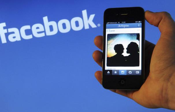 Facebook reforzará la privacidad de sus aplicaciones. /EFE