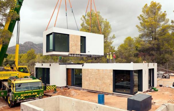 Fotografía de una de las viviendas de casas inHAUS.