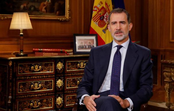 Felipe VI dirige a los españoles el tradicional mensaje de Navidad, el sexto de su reinado, desde el Palacio de La Zarzuela. EFE/Ballesteros/pool