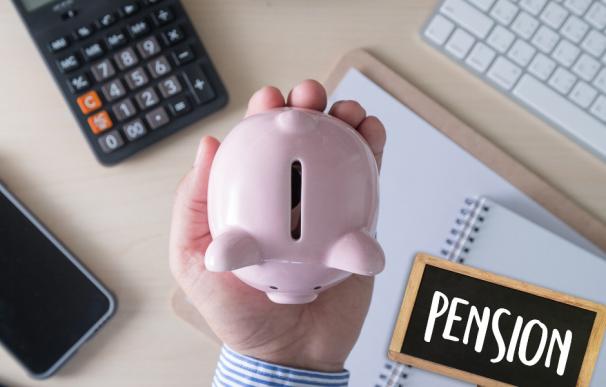 Fotografía de un hucha para ahorrar para las pensiones.