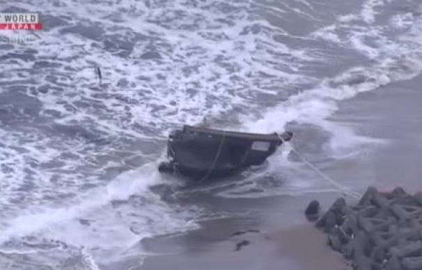 Un 'barco fantasma' aparece en la costa de Japón con restos de siete cadáveres