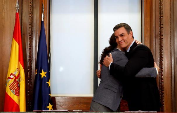 Sánchez e Iglesias abrazo
