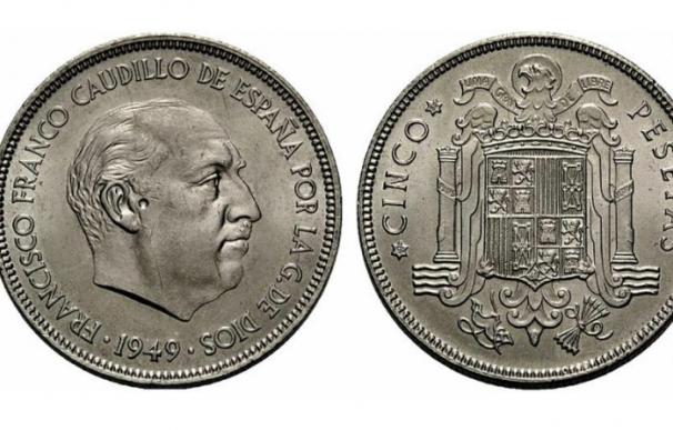 Fotografía de una moneda de 5 pesetas de 1949.