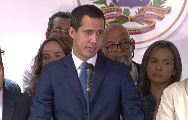 Guaidó logra acceder a la Asamblea Nacional. /L.I.