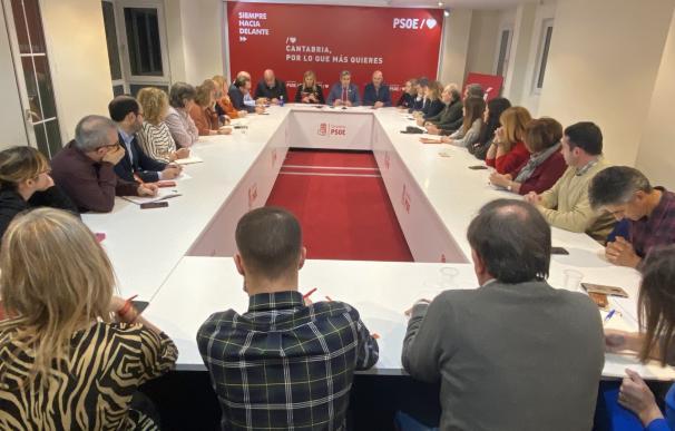Reunión de la Comisión Ejecutiva Regional del PSOE para decidir sobre el pacto de Gobierno con el PRC