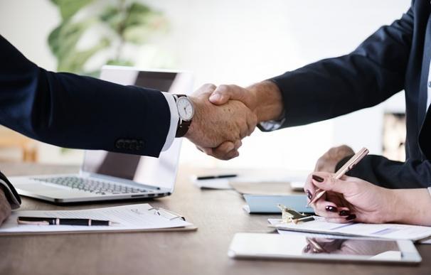 Las empresas empiezan a estar obligadas a subir los salarios / Pixabay