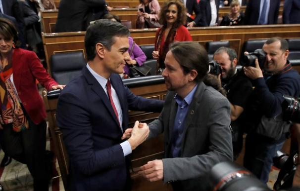 Pedro Sánchez y Pablo Iglesias, tras la sesión de investidura