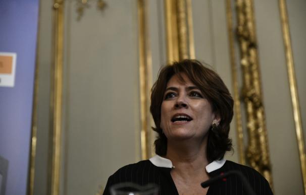 Dolores Delgado presenta el libro Comentarios a la Constitución Española