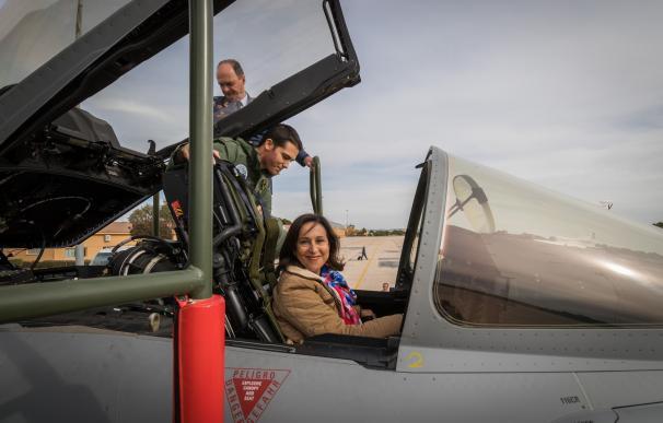Visita de Margarita Robles a la Base Aérea de los Llanos y la Maestranza Aérea de Albacete (Foto: Mde.es)