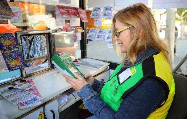 Los vendedores de la ONCE tendrán terminales adaptados gracias a un acuerdo con Telefónica