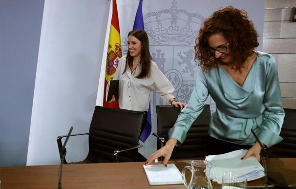 Fotografía María Jesús Montero e Irene Montero / EFE