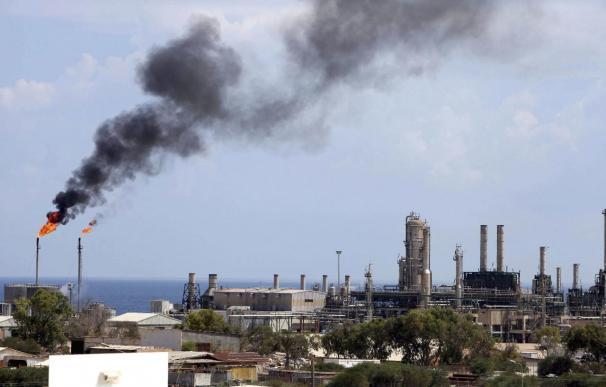 La inseguridad en Libia amenaza su principal fuente de ingresos, el petróleo