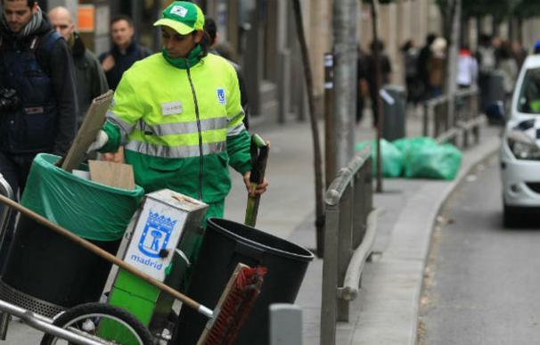 Imagen de ejemplo de un barrendero en Madrid. /L.I.