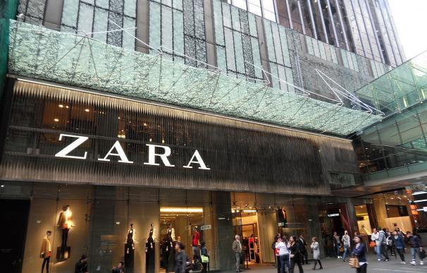 Fotografía de una tienda de Zara.