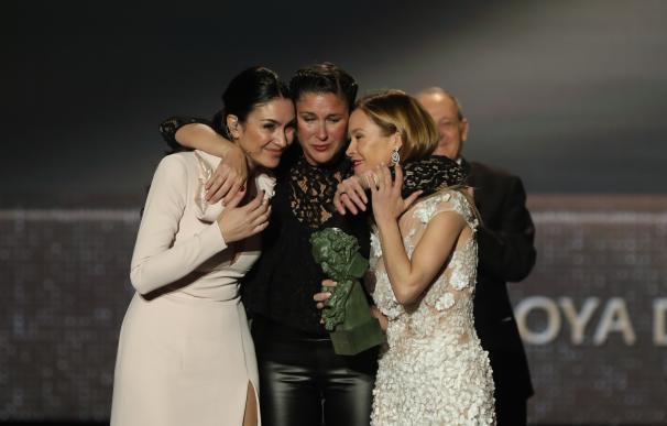 Las hijas de Marisol María Estevez y Celia Flores recogen el Goya de Honor