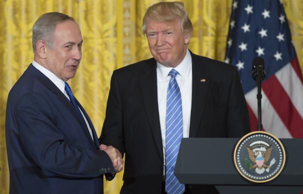 """Trump promete ante Netanyahu """"trabajar"""" por un acuerdo de paz y pide """"compromisos"""" a las partes"""