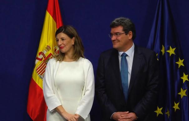 Fotografía de Yolanda Díaz y José Luis Escrivá / Mitramiss