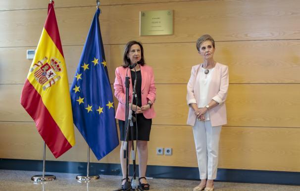 Paz Esteban y Margarita Robles.