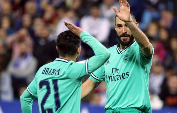 Noche redonda del Madrid en Zaragoza para pasar a cuartos de la Copa del Rey. / EFE