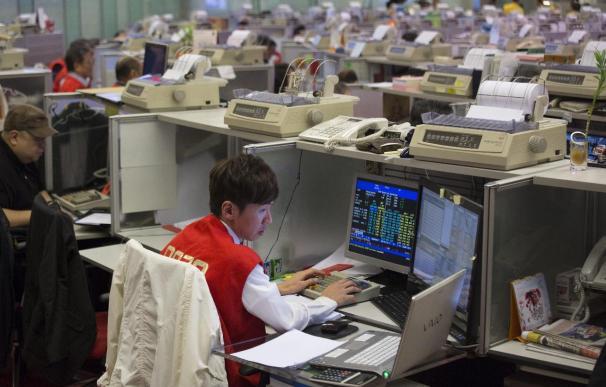 La Bolsa de Hong Kong aumenta un 0,08 % tras conocerse ralentización en China