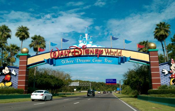 Fotografía de la entrada a los resorts de Disney en Orlando.