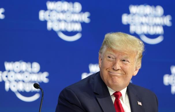 Trump alardea de gestión económica en Davos
