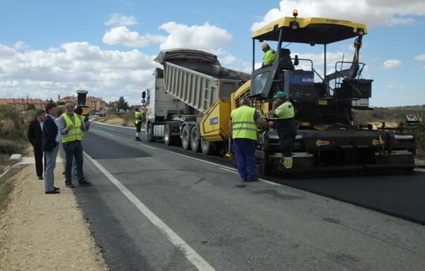 Obras en la carretera de San Cristóbal de Segovia a Trescasas. 12-10-18