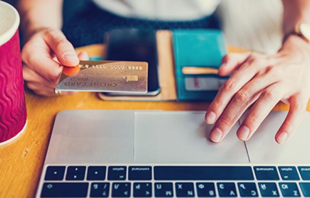 El comercio electrónico dispara el uso de nuevos medios de pago. /L.I.