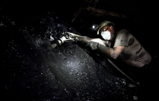 Un minero en el Pozo Sotón, abierto ahora al público para dar a conocer el trabajo bajo tierra.