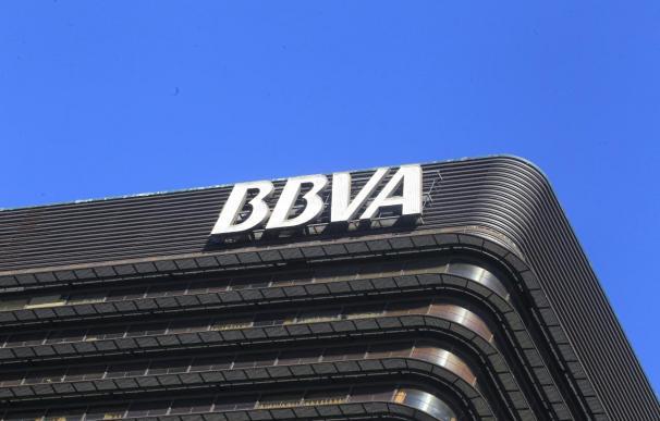 BBVA estima impacto de 100 millones en 2012 y de 250 millones en 2013 por supresión de dividendo de Telefónica